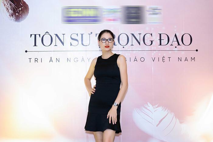 Hiện tại, cô tập trung kinh doanh, chăm sóc con gái và tích cực hoạt động thiện từ Nam ra Bắc.