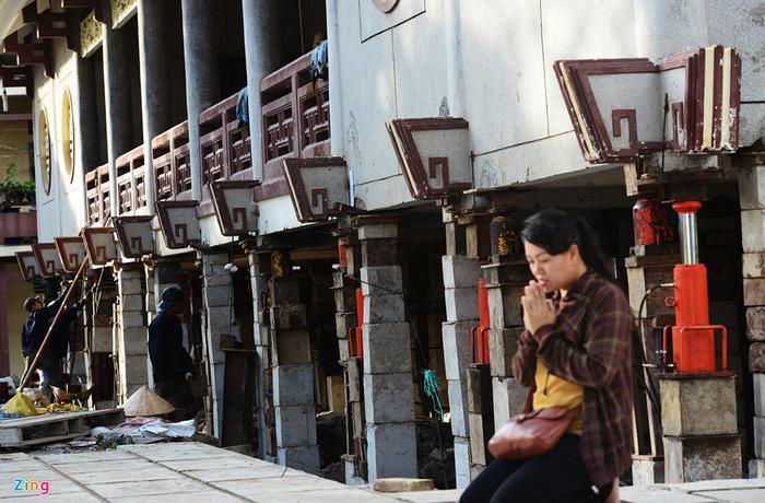 Dự kiến sau 1 tháng nữa, công trình Đại giảng đường chùa Huệ Nghiêm sẽ được nâng đúng độ cao 3 m theo yêu cầu lẫn khâu hoàn thiện. Tổng thời gian hoàn thiện công trình sẽ diễn ra trong vòng 30-40 ngày.