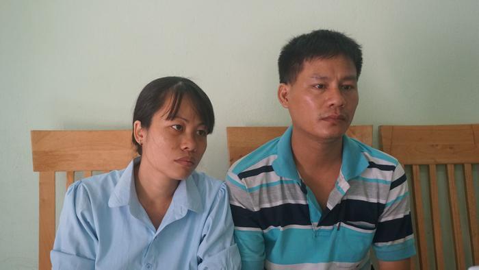 Không khởi tố vụ tai nạn khiến 2 con gái chết thảm, vợ chồng ôm nhau khóc giữa sân cơ quan điều tra