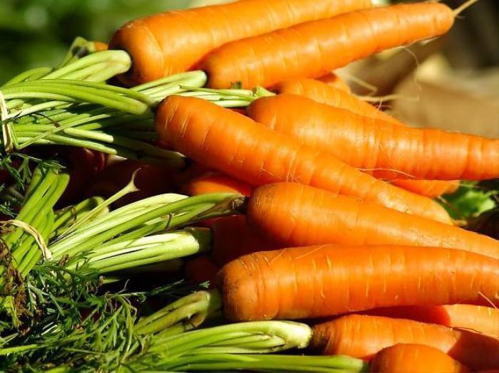 Bất ngờ mới, một ly nước ép cà rốt mỗi ngày giúp bạn có da sáng, dáng xinh