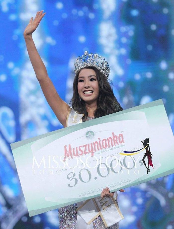 Rạng sáng 2/12 (theo giờ Việt Nam), Miss Supranational - Hoa hậu Siêu quốc gia 2017chính thức khép lại với chiến thắng thuộc đại diện đến từ Hàn Quốc - Jenny Kim. Đây là lần đầu tiên xứ sở kim chi có người đẹp đăng quang ở một cuộc thi quốc tế.