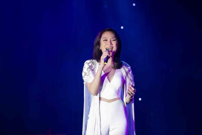 Trong đêm nhạc, Mỹ Tâm đã gửi đến các khách mời 3 bài hát trong album Vol 9 mới nhất như Chuyện buồn, Cô ấy là ai, Đâu chỉ riêng em.