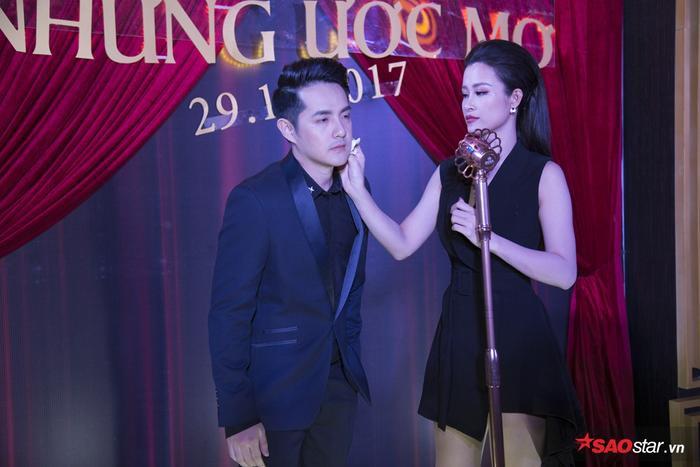 'Ghen tỵ' với khoảnh khắc ngọt ngào Đông Nhi chăm sóc Ông Cao Thắng trên thảm đỏ