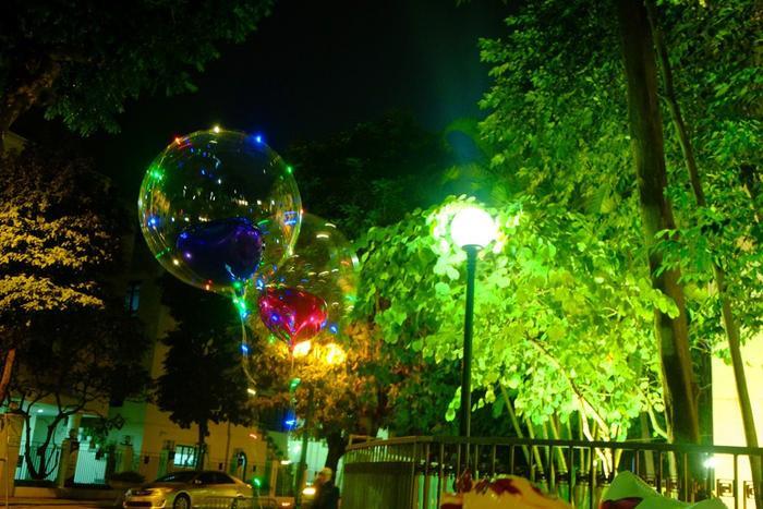 Được biết, mỗi bong bóng đèn led giá khoảng 60.000 – 80.000 đồng.