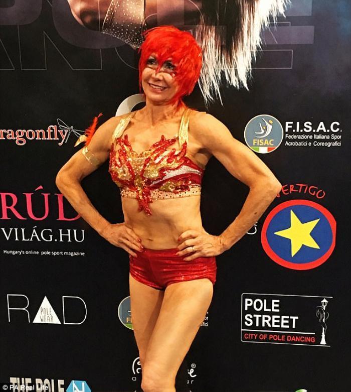Cụ bà 67 tuổi múa cột chuyên nghiệp, ăn đứt hàng trăm thiếu nữ