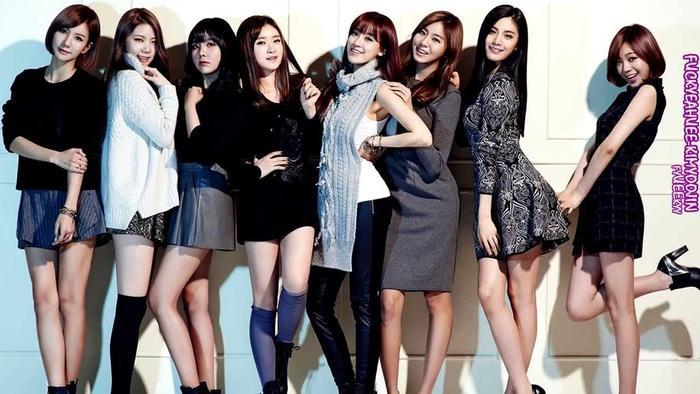 Joo Yeon cùng các cô nàng After School đẹp ngọt ngào khi quảng bá cho đĩa đơn Week (2014).