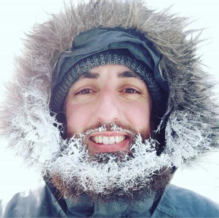 Canada lạnh giá tới mức bát mỳ đóng băng, chim cánh cụt cũng 'chào thua'