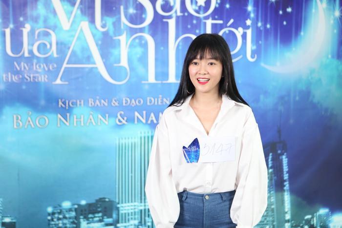 Đinh Hương tạo nhiều thiện cảm cho ekip khi đến casting với vẻ ngoài đơn giản, gần gũi.