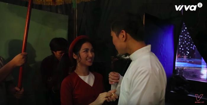 Những khoảnh khắc siêu tình cảm của Hoà Minzy - Mai Tiến Dũng ở hậu trường 'Cặp đôi hoàn hảo'