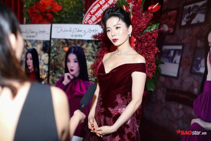 Lệ Quyên duyên dáng trong ngày ra mắt album nhạc Trịnh.