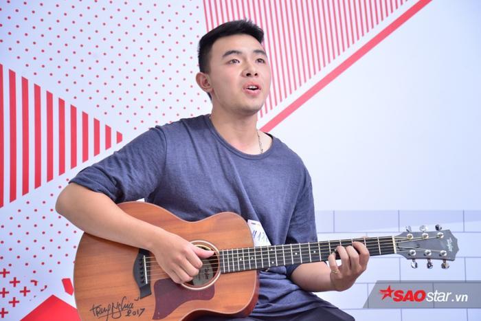 Ngoài ra, 2 ngày tuyển sinh có nhiều anh chàng thể hiện tài năng chơi nhạc cụ điệu nghệ với ban giám khảo.