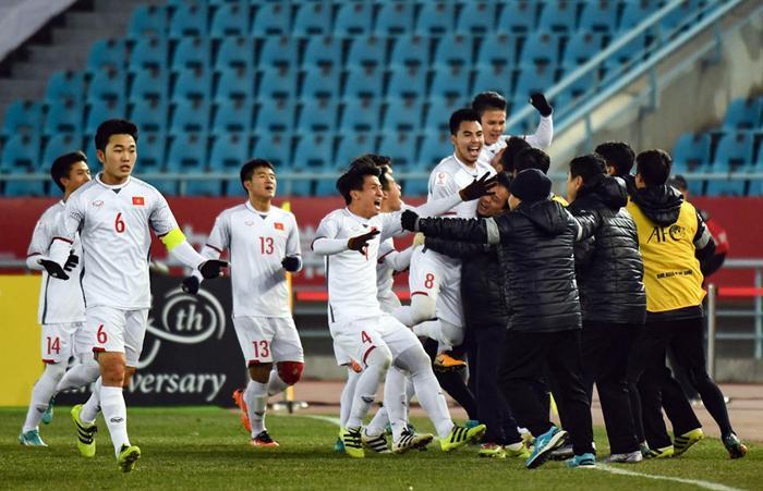 Thầy trò HLV Park Hang Seo viết tiếp lịch sử bóng đá Việt khi đưa U23 Việt Nam tiến đến chung kết AFC 2018.
