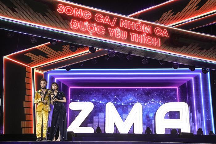 Cùng với Erik, Min cũng đạt 2 giải thưởng khác là MV của năm và Song ca nhóm ca được yêu thích.