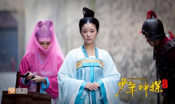 Lâm Tâm Như hóa thân thành Võ Tắc Thiên những năm tháng còn trẻ tuổi.