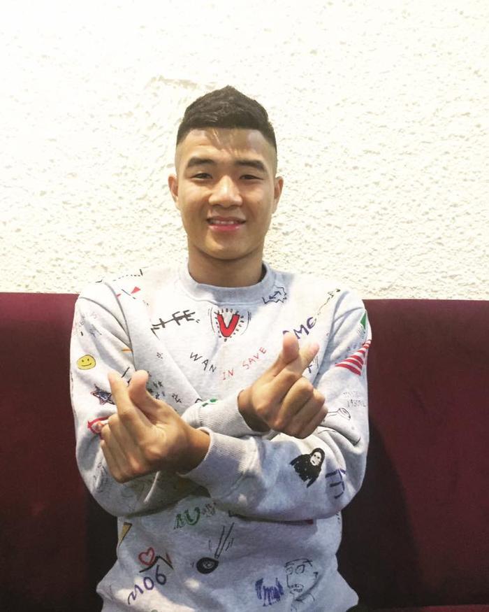 """Với khiếu hài hước, duyên dáng của mình, Hà Đức Chinh được mệnh danh là """"vựa muối"""" của U23 Việt Nam."""