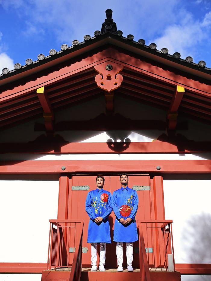 Anh chàng sở hữu vẻ ngoài điển trai, vừa có nét Á Đông, vừa hiện đại, khỏe khoắn. Đám cưới của Hồ Vĩnh Khoa với bạn trai cũng từng được tổ chức tại Hawaii.