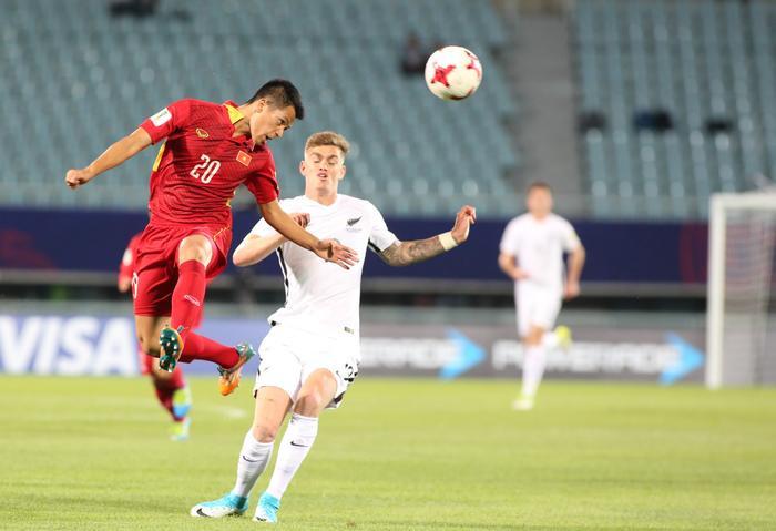 Trung vệ Trần Đình Trọng: Fabio Cannavaro phiên bản Việt