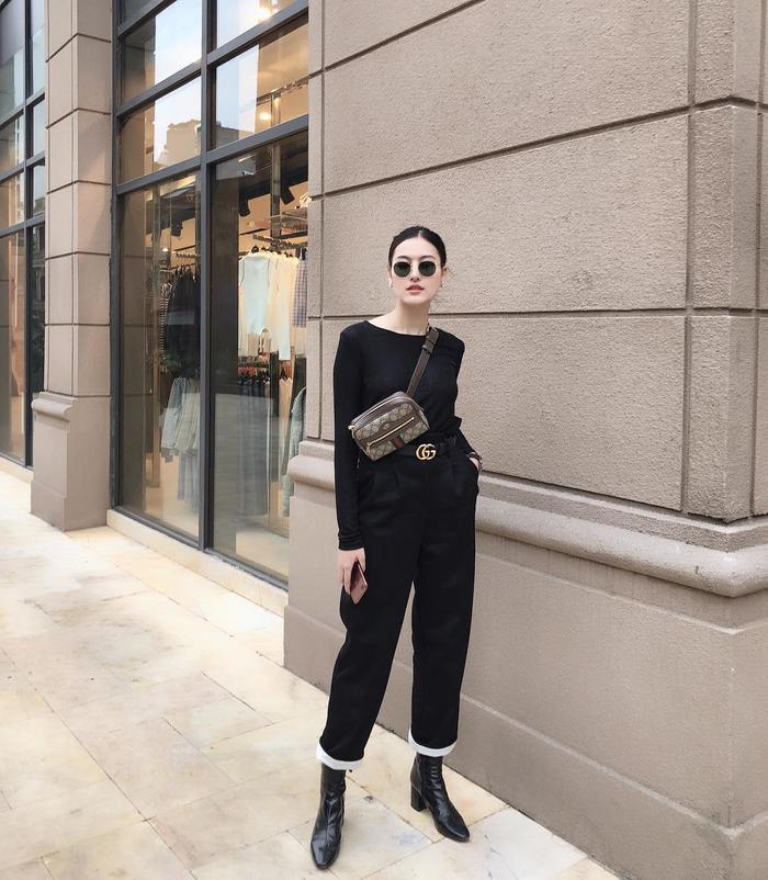 Hot girl Hà Lade diện đồ ngày càng thời thượng và cool ngầu. Cô nàng là một trong những tín đồ của nhà mốt từ Italia - Gucci.