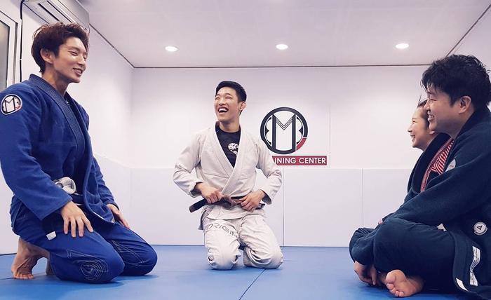Lee Joon Gi chăm chỉ luyện tập Jujutsu.