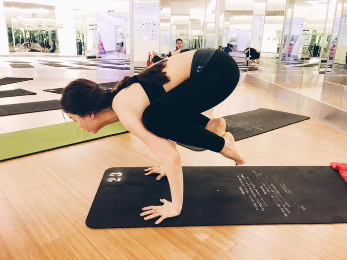 Việc tập luyện không chỉ giúp cô giữ gìn vóc dáng mà còn khỏe mạnh hơn, có được nguồn năng lượng tươi mới, độ dẻo dai, sức bền và tinh thần minh mẫn để đạt được sự cân bằng và hạnh phúc trong cuộc sống lẫn sự nghiệp.