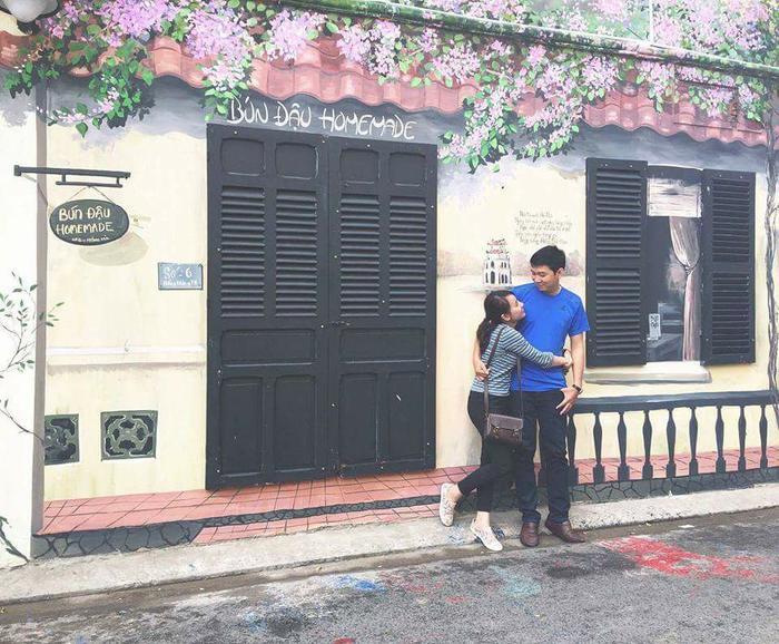 Đây là cặp đôi yêu nhau chứ không phải bố con nhé! Ảnh: Nguyễn Minh Trâm.