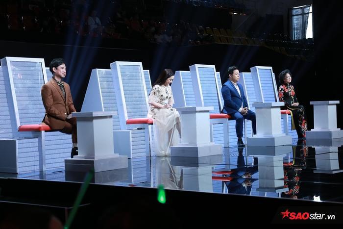 Các HLV dành lời khen, tiếc nuối khi 3 giọng ca điển trai cùng đứng chung sân khấu.