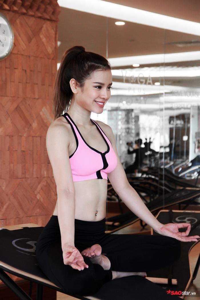 Nữ diễn viên có thân nóng bỏng của Showbiz Việt tiết lộ mối lương duyên kỳ lạ với yoga ảnh 0