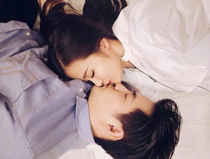 """Ông Cao Thắng không ít lần sắm vai """"nam thần"""" trong MV của bạn gái, hỗ trợ sự nghiệp Đông Nhi."""