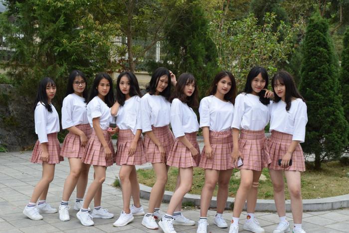 Lớp học hội tụ nhiều hot girl khiến các nam sinh muốn nhanh chóng chuyển trường.