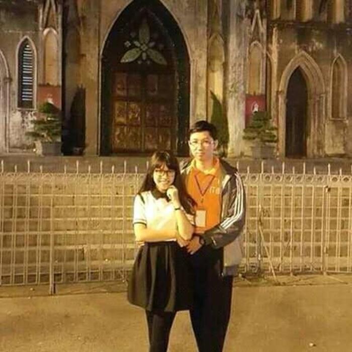 Cô bé cũng là bạn thân của cậu bé google Nhật Minh.