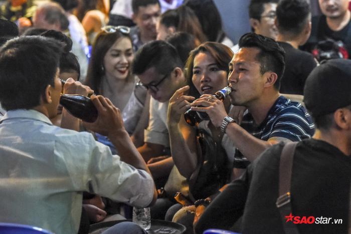 """Bùi Viện có nguy cơ trở thành """"phố nhậu"""" ở Sài Gòn."""