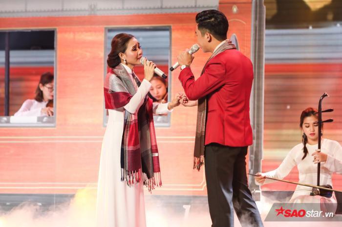 Bên cạnh giọng hát, Thanh Lan ngày càng chứng tỏ khả năng diễn xuất trên sân khấu.