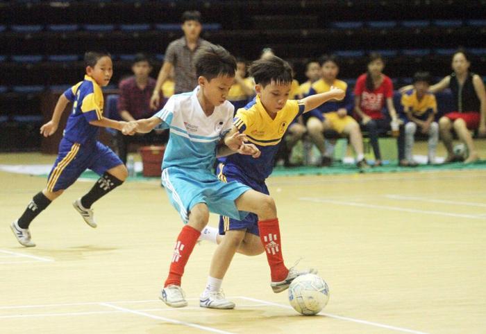 Hoạt động thể thao giúp học sinh cảm thấy vui vẻ, thư giãn, giảm bớt thời gian rảnh rỗi cũng như giải phóng ức chế thần kinh.