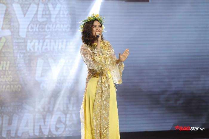 Phần diễn xuất của Khánh Ly cũng nhận được lời khen từ HLV Hồ Hoài Anh.