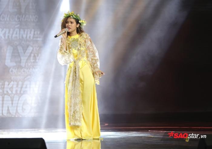 Giám khảo khách mời Phan Mạnh Quỳnh dí dỏm cho rằng Khánh Ly chính là nàng thơ của HLV Lê Mình Sơn.