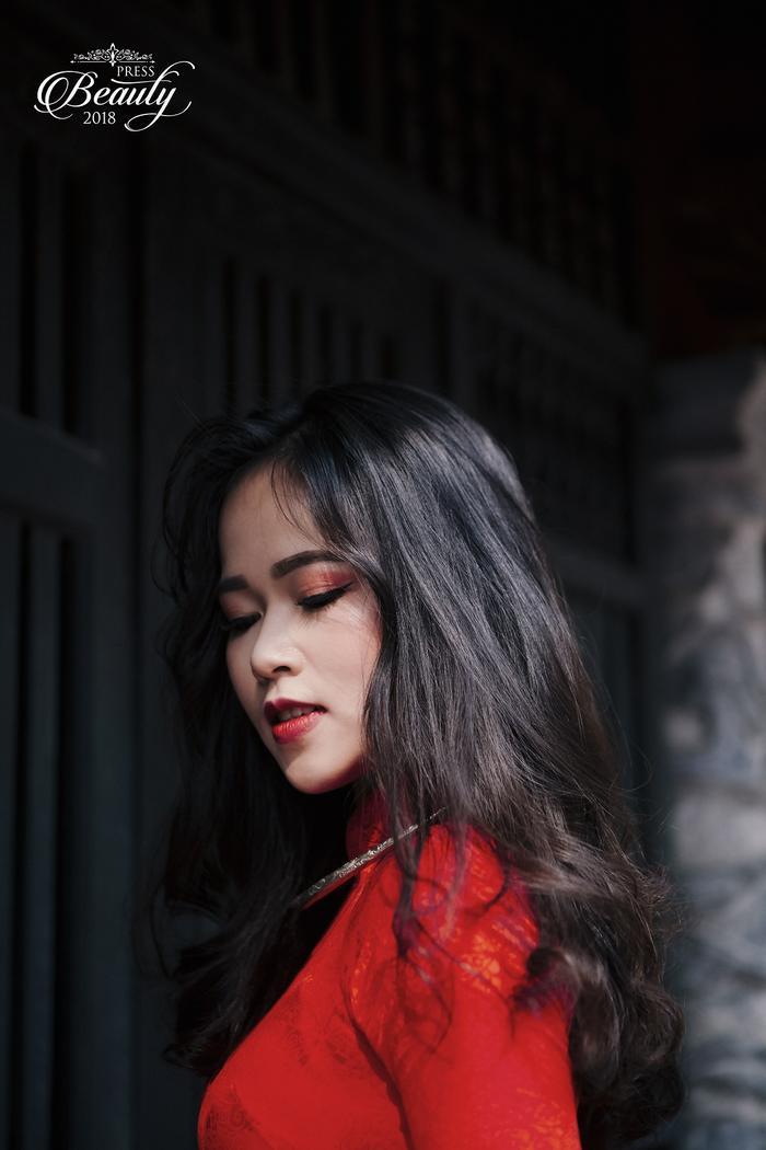 Ngoài ra, Uyên biểu cảm khá tốt trong từng khung hình. Đến với cuộc thi, Cẩm Nhung mong muốn sẽ được cọ xát thực tế nhiều hơn, đồng thời, cô cũng đang cố gắng để hoàn thành tốt phần dự thi trong đêm chung kết sắp tới.