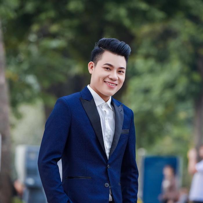 """Tiến sĩ trẻ triết học Nguyễn Duy Cường được đánh giá là một thí sinh có giọng hát tốt tại """"Thần tượng Bolero 2018""""."""