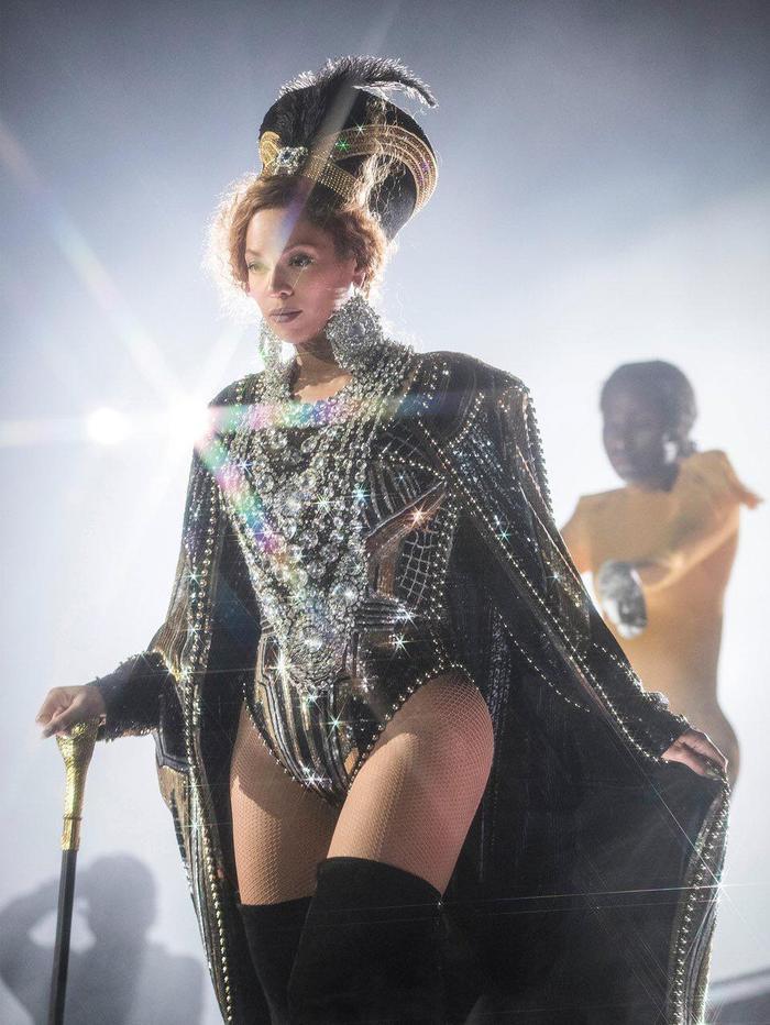 Beyoncé - nữ hoàng của đêm.