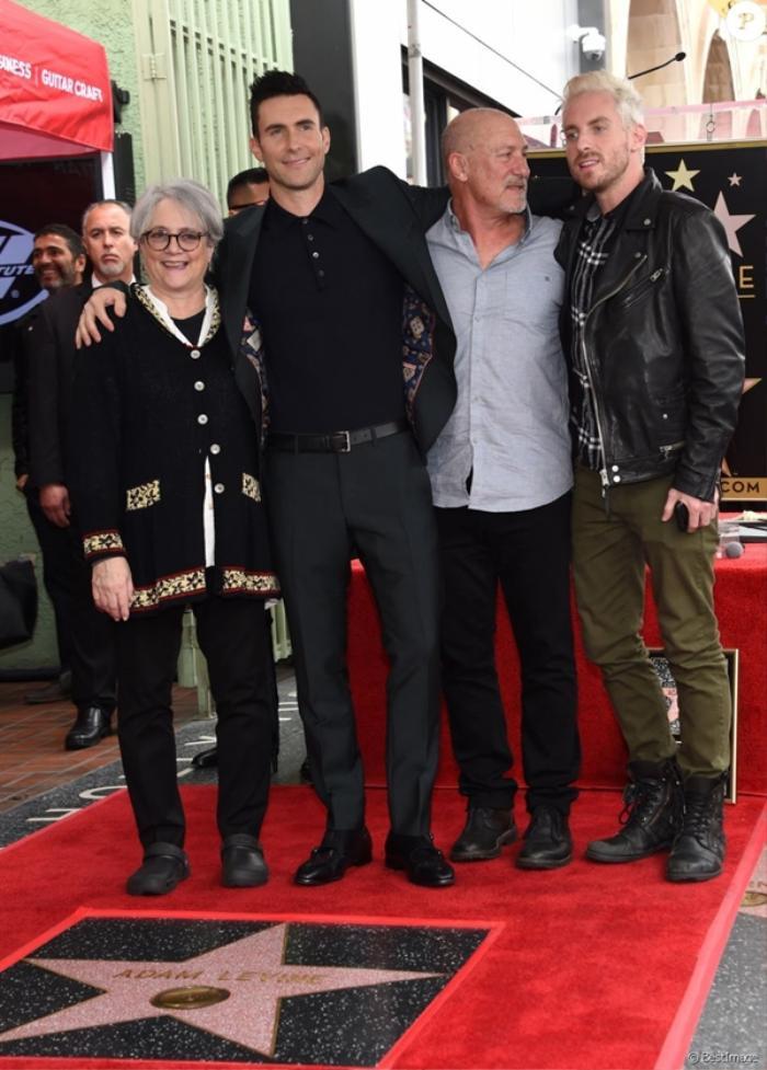 Ngỡ ngàng với 'gia thế triệu đô' của loạt sao đình đám Hollywood
