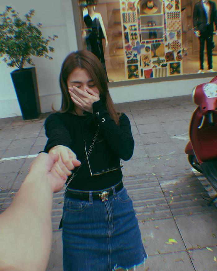 Những bức ảnh nắm tay cùng những lời đường mật hot girl Sài Thành gửi đến người yêu.