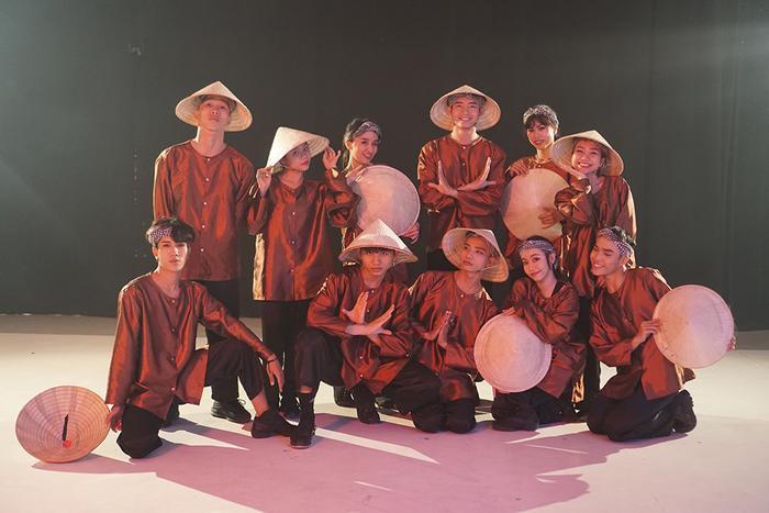 Sau dự án Vũ Nông dân, Quang Đăng cũng sẽ tiếp tục cho ra mắt những MV nhảy khác kết hợp giữa văn hóa truyền thống và âm nhạc hiện đại. Anh mong muốn thông qua những video của mình sẽ giúp cho thế giới hiểu hơn về văn hóa Việt Nam.