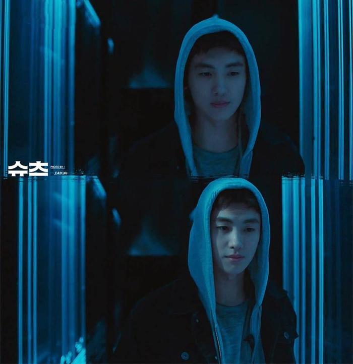 Yêu chị đẹp thì cứ để Jung Hae In lo còn Park Hyung Sik yên tâm mặc suits và đấu trí ảnh 1