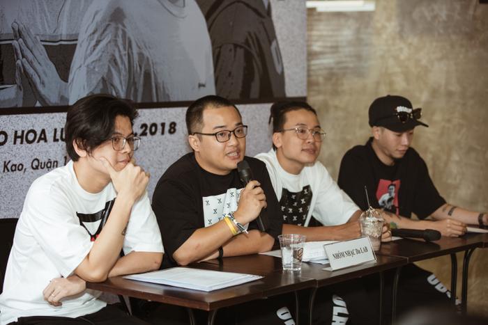 Năm 2018, nhóm cảm thấy thời điểm đã chín muồi nên đưa ra quyết định sẽ tổ chức liveshow ở TP HCM để tri ân sự hưởng ứng suốt bao nhiêu năm qua của khán giả miền Nam, đồng thời ghi thêm một dấu mốc cho sự phát triển của nhóm.
