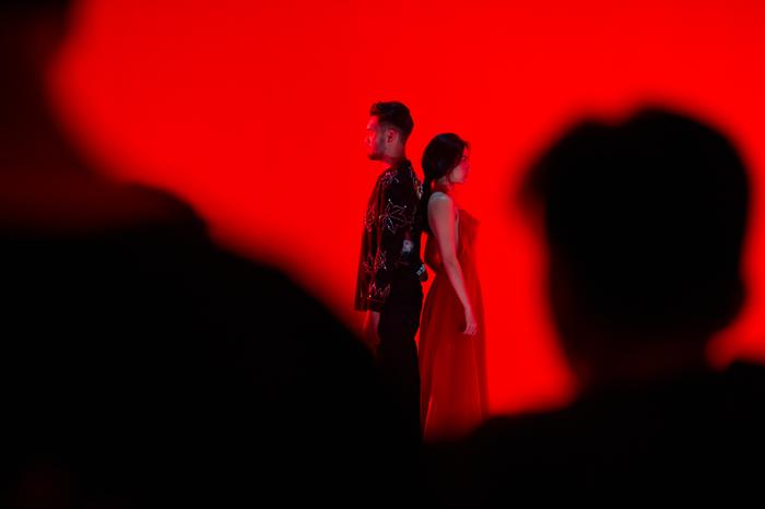 Quả không sai, chiếc đầm đỏ này đã từng được Midu, Quỳnh Anh Shyn, Lệ Hằng, Hương Ly, Phương Trinh Jolie mặc trước đó.