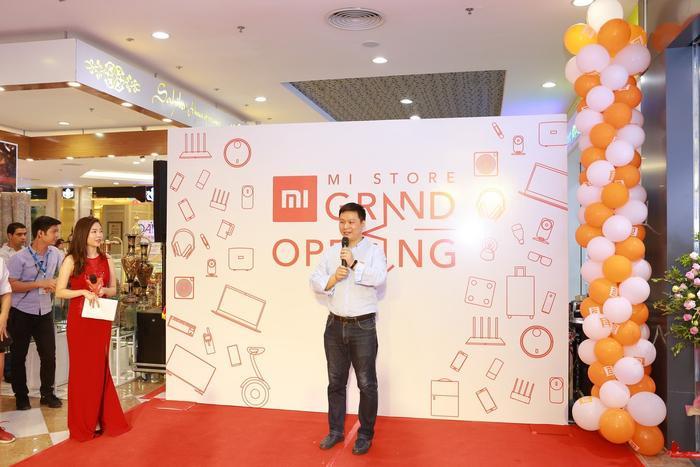 Ông Jack Jung, Giám đốc Xiaomi Việt Nam, chia sẻ sự hào hứng khi Mi Store đầu tiên chính thức khai trương ở Hà Nội.