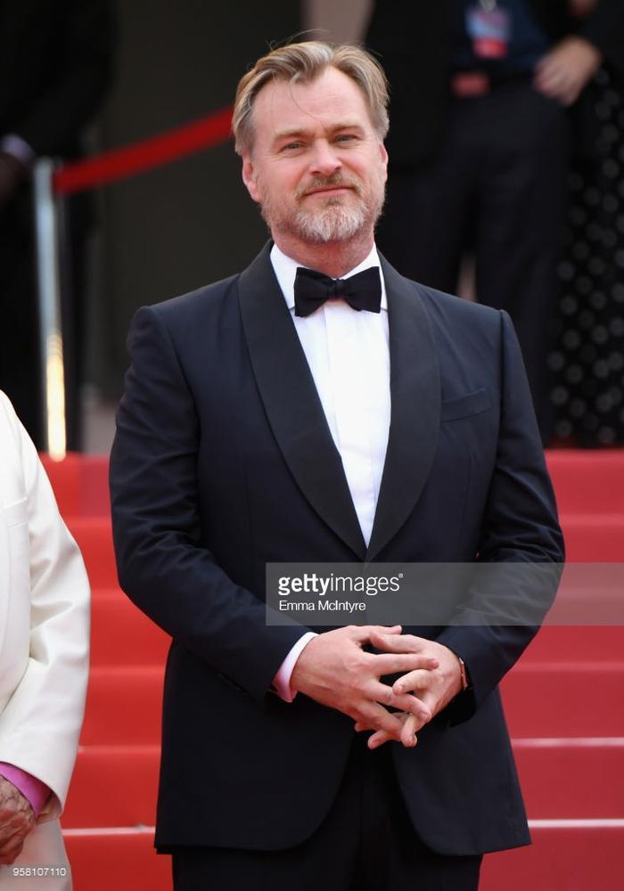 Thảm đỏ Cannes ngày thứ 6: Đạo diễn Christopher Nolan xuất hiện, Iskra Lawrence khoe ngực khủng ảnh 1