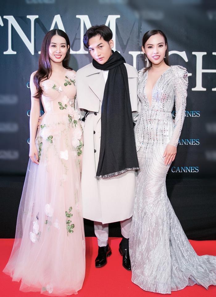 Ali Hoàng Dương bên Hoa hậu Nhân ái Mai Quỳnh và Á hậu Minh Phương.