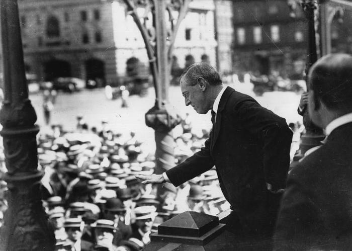 """12. """"The Birth of Nation"""" (""""Giải phóng đất nước"""") là bộ phim đầu tiên được chiếu ở Nhà Trắng theo yêu cầu của ông Woodrow Wilson. Sau đó, bộ phim bị cấm chiếu trên toàn nước Mỹ do có chứa nội dung phân biệt chủng tộc.Ảnh: Thư viện Quốc hội Mỹ"""