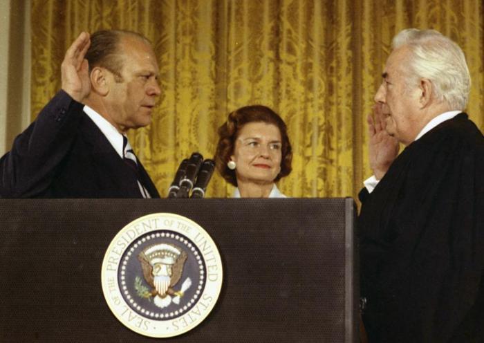 7. Gerald Ford là Tổng thống duy nhất mà không được trực tiếp bầu cử. Ông được Richard Nixon bổ nhiệm làm Phó tổng thống và trở thành Tổng thống khi Nixon từ chức. Ảnh: Getty Images