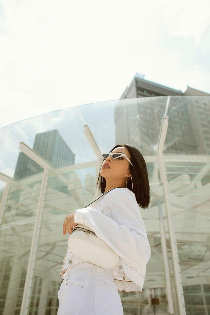 Gam màu trắng trung tính tạo cảm giác thoải mái, không quá chói mắt cho người nhìn, đồng thời đem đến dáng vẻ thanh lịch, sang trọng cho chủ nhân.